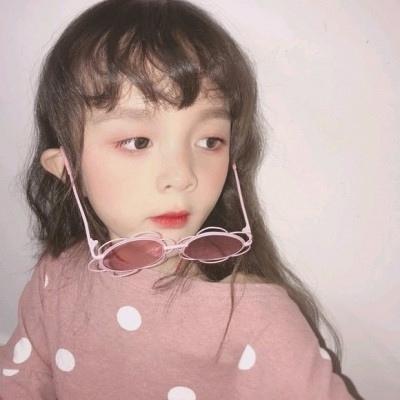 微信头像女可爱小孩_WWW.QQYA.COM