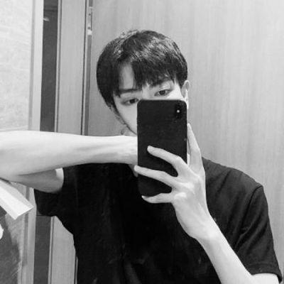 最新男生头像阳光_WWW.QQYA.COM