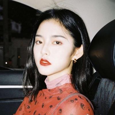 女生高冷成熟一点微信头像图片_WWW.QQYA.COM