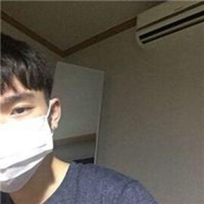 感觉像患了忧郁症一样的男生头像图片_WWW.QQYA.COM