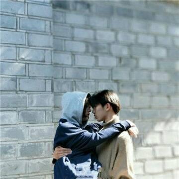 2022超浪漫意境情侣拥抱头像 抱抱我_WWW.QQYA.COM