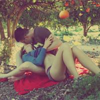 深情亲吻的情侣头像 一个吻的答案_WWW.QQYA.COM
