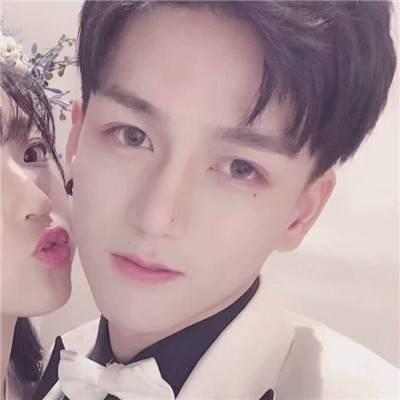超可爱的情侣头像 为了你我什么都愿意_WWW.QQYA.COM