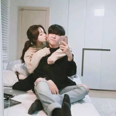 小清新一张两人接吻情侣浪漫头像_WWW.QQYA.COM