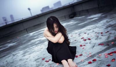 我真的累了的伤感句子_WWW.QQYA.COM