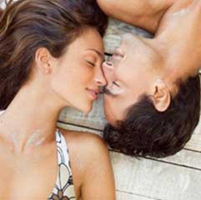 男人用嘴给女人做图片_WWW.QQYA.COM