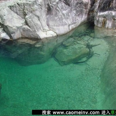 清澈的溪流让人心如明镜_WWW.QQYA.COM