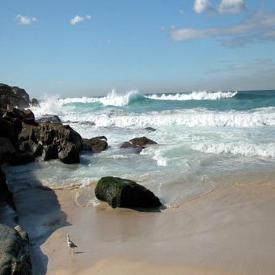 天然的水域是游泳爱好者的好去处_WWW.QQYA.COM
