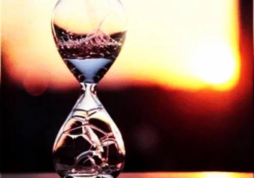 时间慢走的唯美图片_WWW.QQYA.COM