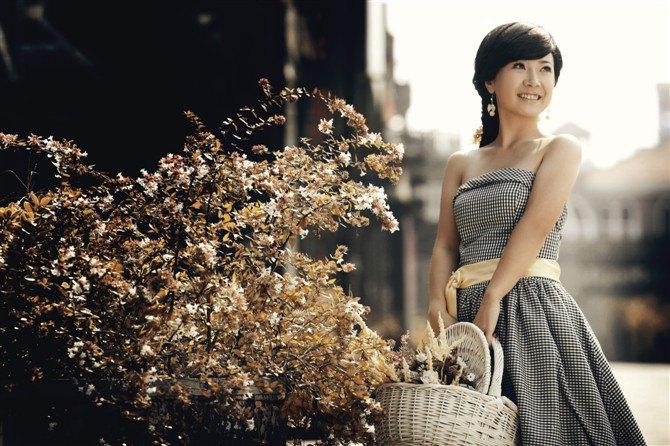唯美微笑心情好的图片大全_WWW.QQYA.COM